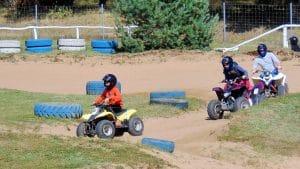 Initier son enfant aux sports mécaniques quad