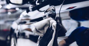 Gaspillage d'eau avec le lavage auto